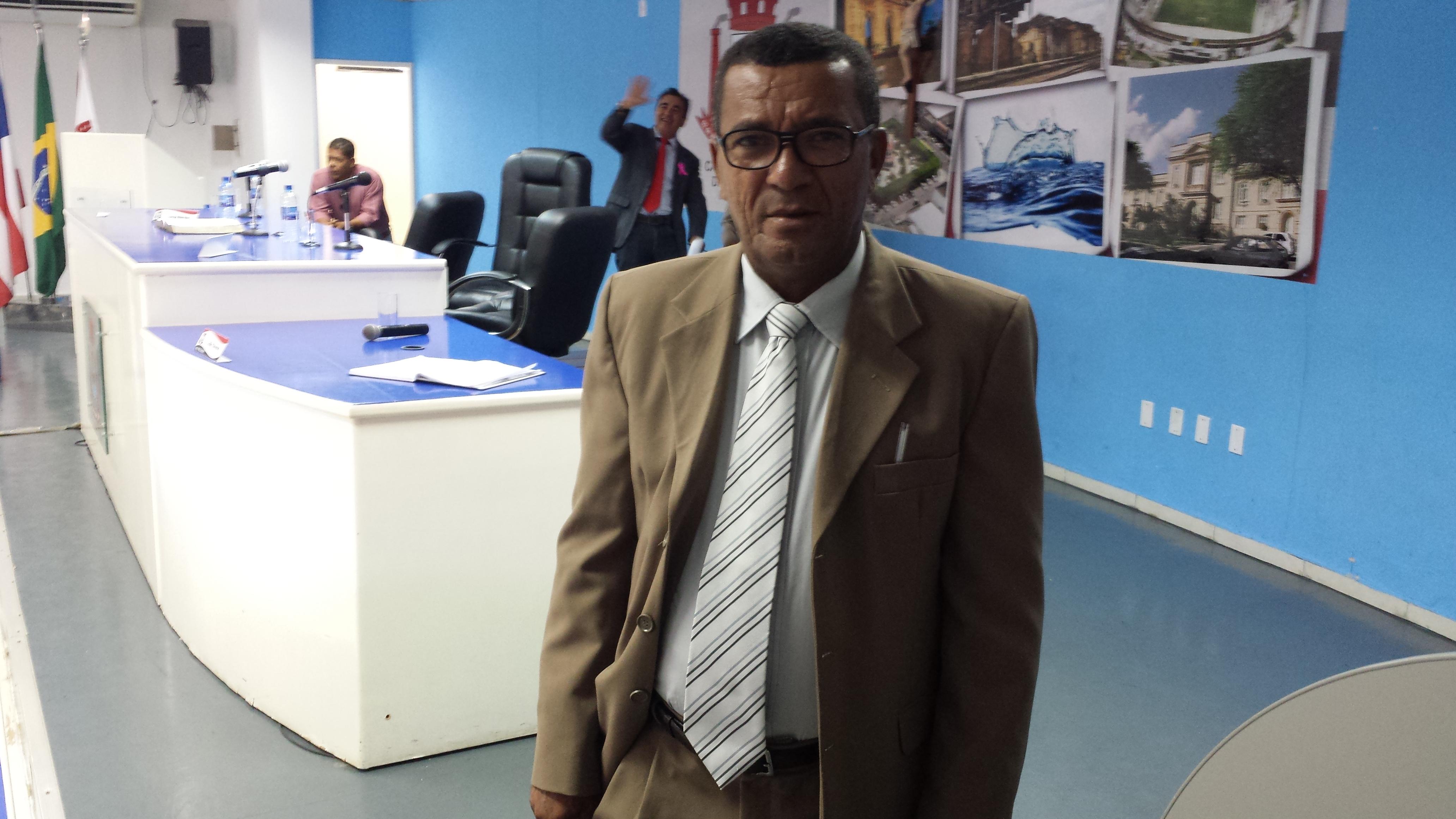 Vereador Djalma Santos nega preferªncia eleitoral por S´nia Fontes