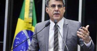 Para Jucá, governo age para desequilibrar Orçamento