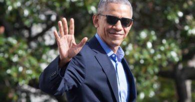Obama é ovacionado durante visita surpresa a Nova York
