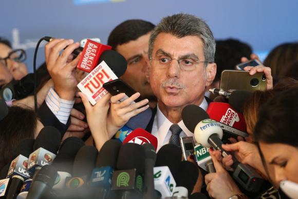 Governistas criticam denúncia da PGR contra Temer; oposição promete obstrução