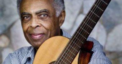 Artistas homenageiam Gilberto Gil em seu aniversário de 75 anos