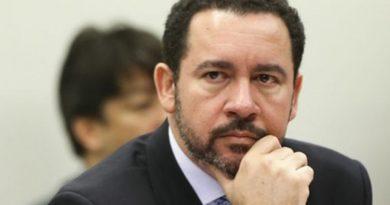 Governo buscará diálogo com parlamentares para aprovar nova meta fiscal