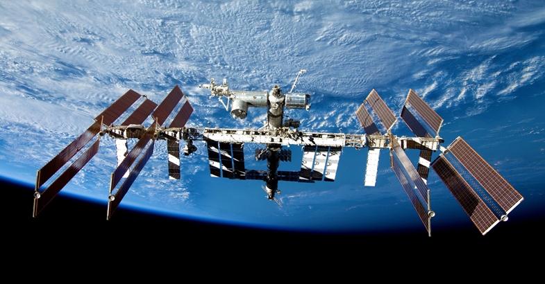 Estação espacial vai ter equipamento brasileiro para reciclar plástico