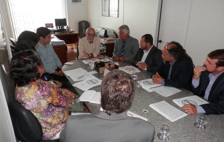 Comissão apresenta pré-projeto de modernização da ADAB para Casa Civil