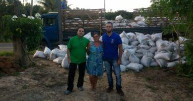 Prefeitura entrega adubo orgânico às comunidades e deve contemplar mais de mil agricultores familiares