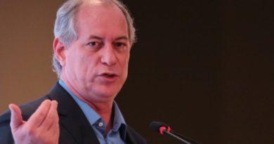 Após confusão com eleitor, Ciro volta a xingar Bolsonaro de 'nazista'