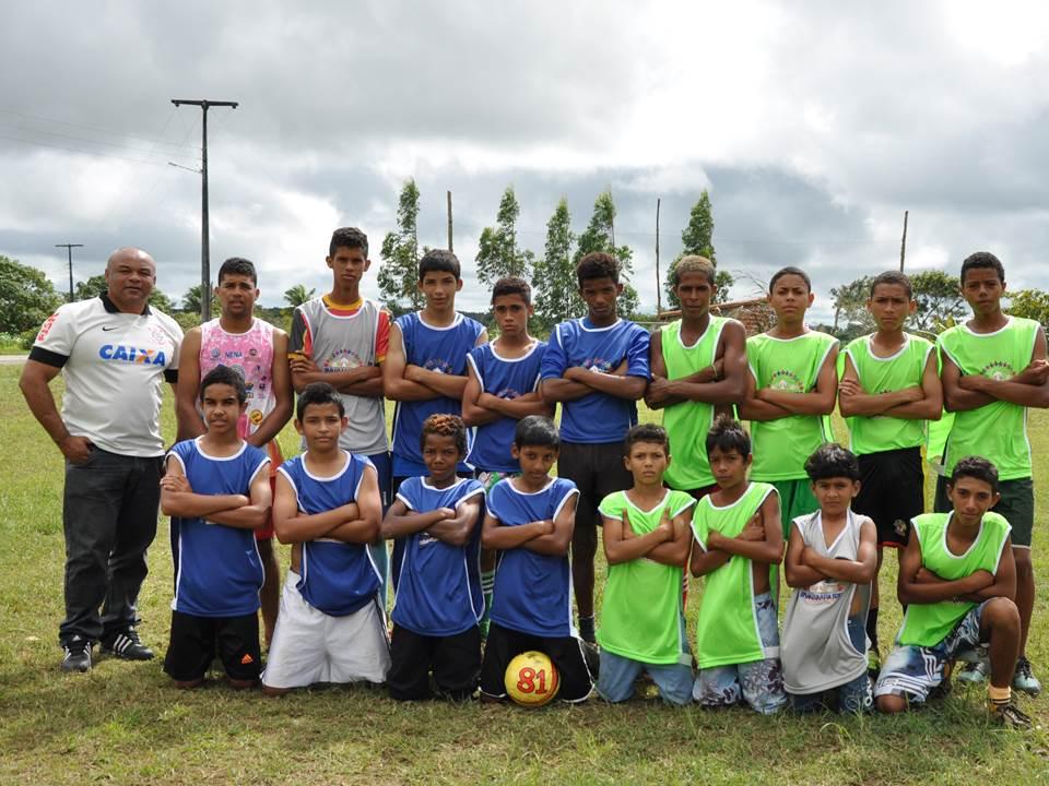 cfad658d02f52 Prefeitura de Inhambupe entrega material esportivo à comunidade de ...