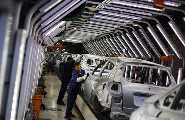 Linha de montagem de fábrica da Ford em São Bernardo do Campo, na Grande São Paulo