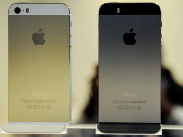 Novo iPhone 5s, da Apple, em exposição na sua apresentação na sede da companhia em Cupertino