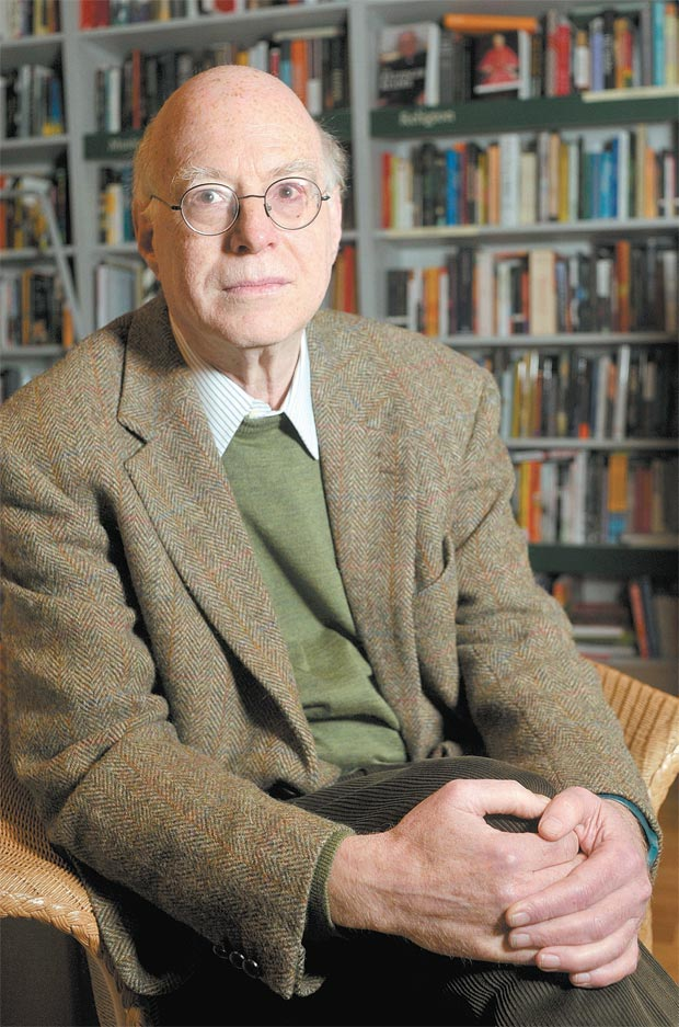 O sociólogo Richard Sennett na livraria LRB, em Londres