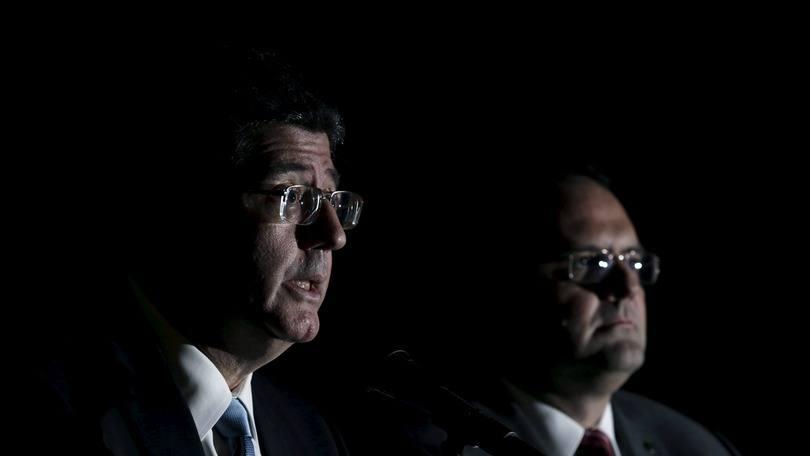 O ministro da Fazenda, Joaquim Levy (E), e o ministro do Planejamento, Nelson Barbosa