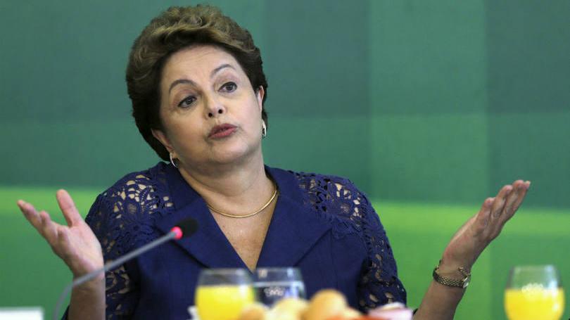 Presidente Dilma Rousseff fala durante café da manhã com jornalistas no Palácio do Planalto, em Brasília