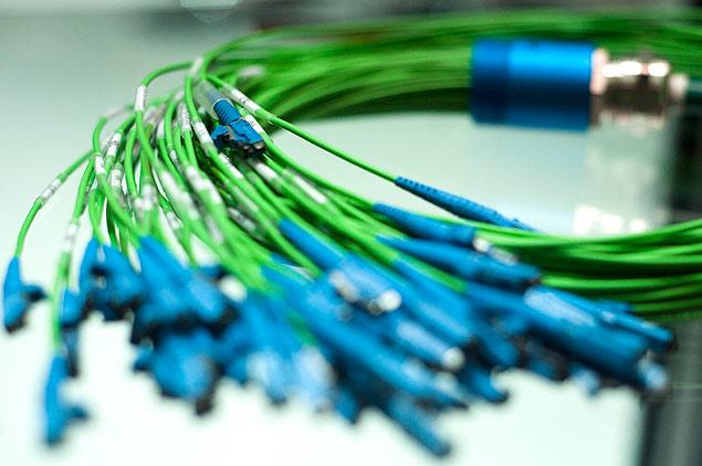Cabos utilizados para transmissão de dados com fibra ótica