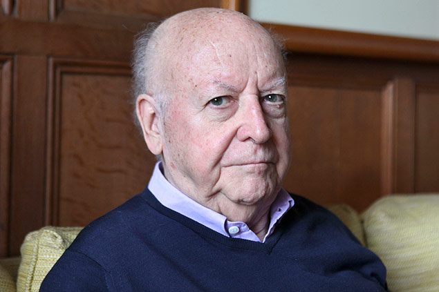 O escritor Jorge Edwards, embaixador chileno na França