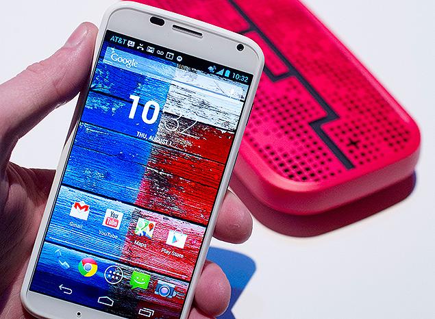 Moto X, primeiro smartphone desenvolvido em conjunto por Motorola e Google