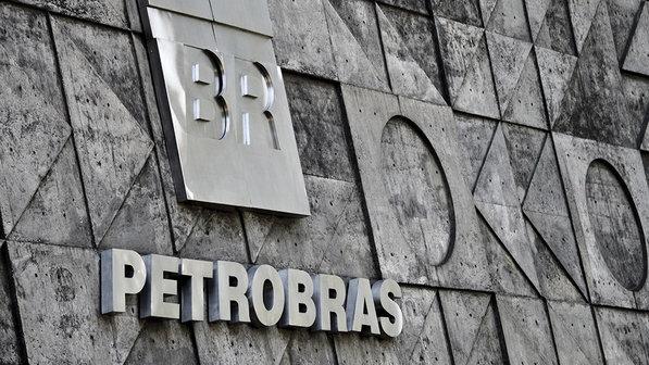 Petrobras é investigada por ter aceitado tomar prejuízo em um contrato com a estatal boliviana YPFB