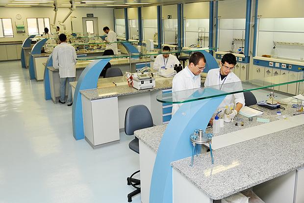 Laboratório da farmacêutica Cristália: empresa prevê atrasos em seus projetos após suspensão da Lei do Bem