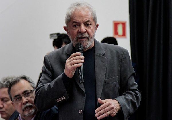 LULA PARTICIPA DO FÓRUM DE MÍDIAS SOCIAIS