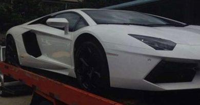 Justiça manda leiloar Lamborghini de Eike e lancha de Cabral