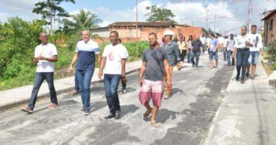 Prefeito Joaquim Neto entrega pavimentação da Manoel Vitorino