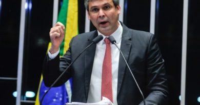 Ex-senador Lindberg Farias será candidato a vereador em 2020