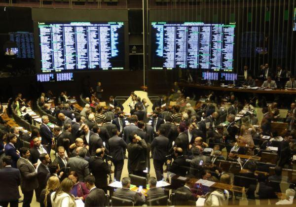 Vencedores da Mega-Sena pretendem fazer doação à Vigília Lula Livre