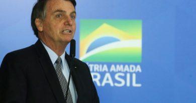 Pena maior para calúnia pode ser vetada, diz Bolsonaro