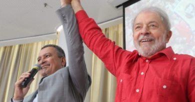 Lula diz que PT não deve abrir mão de candidatura própria em Salvador