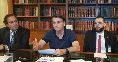 """Bolsonaro diz que manifestantes contrários são """"terroristas"""""""