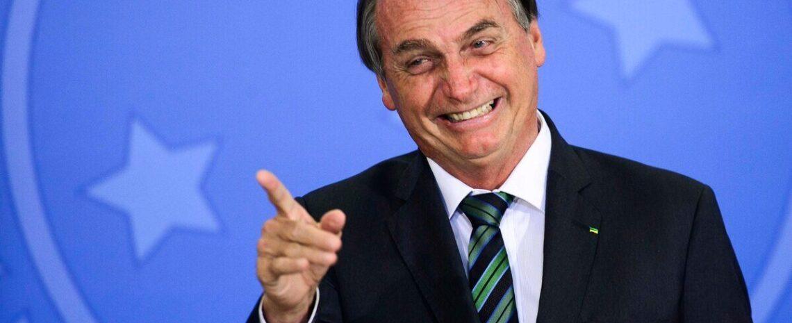 Trump diz que adora Bolsonaro e elogia 'trabalho duro' do presidente brasileiro